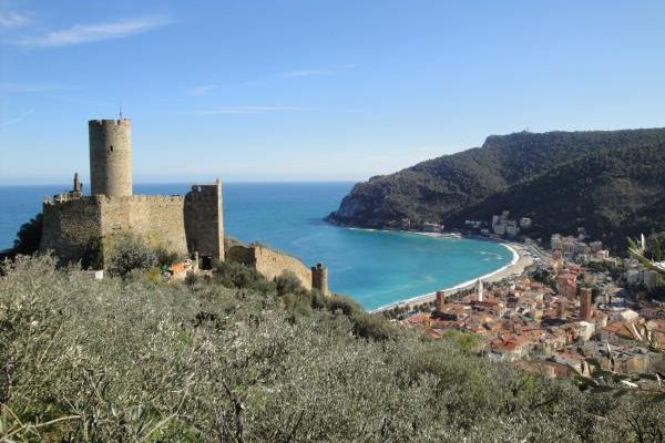 Finale Ligure, here you can breathe nature and history