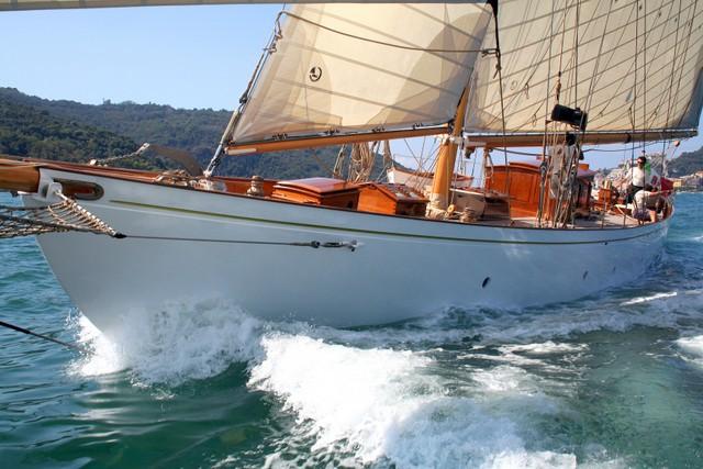 Capraia, the wind swells the historical sails
