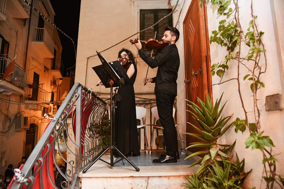 """The pearl of Gargano steals the heart. Boom for the """"Vieste in Love"""" festival"""