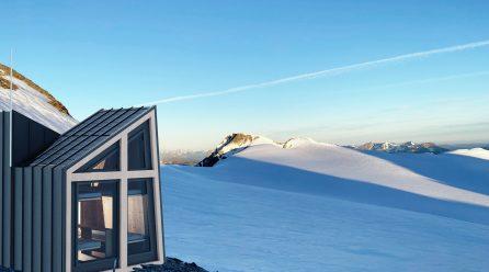 La Thuile, un bivacco di design sui ghiacci del Ruitor